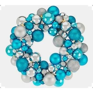 "16"" Illuminated Ornament Wreath  ICY BLUE"